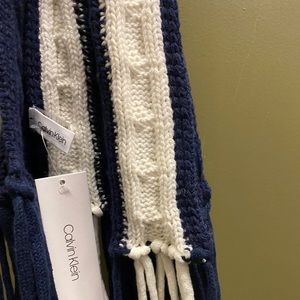 Calvin Klein blue and white knitted scarf
